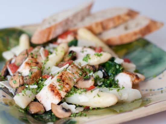 Salade: asperges met kip