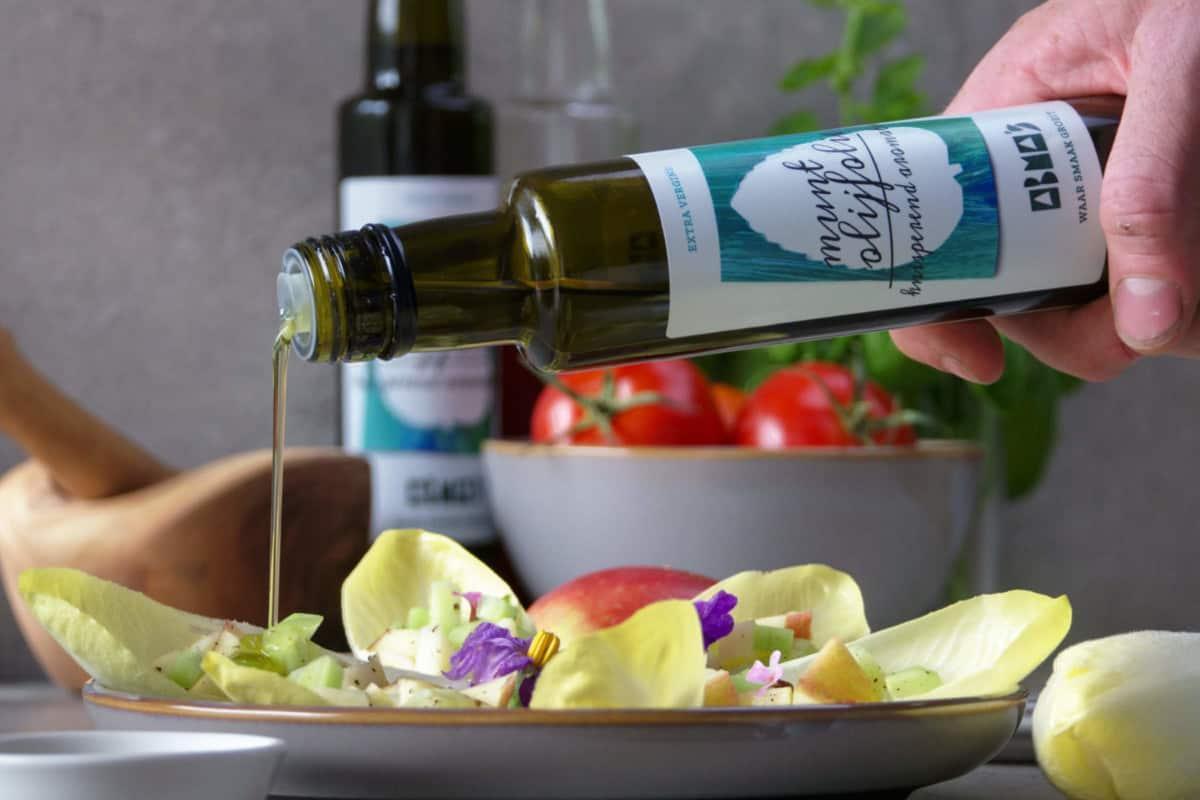 Kruidenazijn en -olijfolie by Boeren